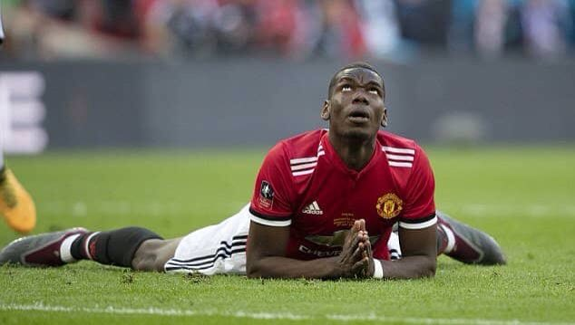Pogba praying